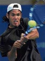 Somdev advances
