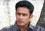 Stick together, keep fighting: Kumble to team