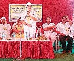 Acharya inaugurates platinum jubilee of Udupi municipality