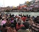 Lakhs take holy dip in Ganga