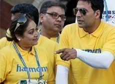 Bollywood lends glamour to Mumbai marathon
