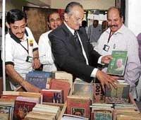 Book worms flock at fair