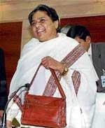 Mayawati justifies installation of statues