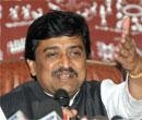 Taxi permits for all who speak 'local language', says Chavan