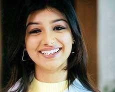 I don't wear burqa after marriage: Ayesha Takia