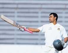 Zaheer strikes put India on top
