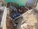 1 dead and 4 injured in cylinder blast