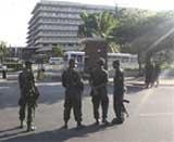 Lankan troops surround Fonseka's hotel