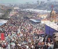 Lakhs visit Yellamma temple on Bharat Hunnime fair