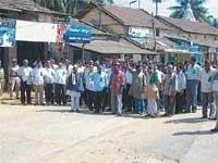 Farmers' bundh evokes good response  in Sringeri, Koppa, NR Pura