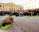 2,500 protest Muhammad cartoon in Norway