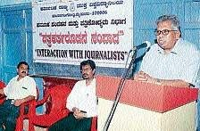 'Mould journalism students as scribes'
