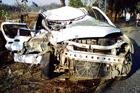 3 dead in car-lorry collision