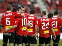 Mallorca keep pressure for Champions League spot