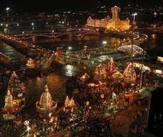 Devotees in lakhs reach Haridwar for second shahi snan