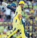 Hussey closes in on Dhoni