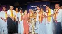 'Make Kannada compulsory till SSLC'