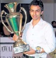 Advani overcomes fighting Damani to emerge champion