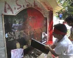 Burmese nationals protest military junta's new electoral laws