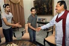 Gambhir, Nehra meet Rajapaksa; thank him for treatment