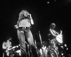 Musical tsunami of 'Whole Lotta Love' in Moscow