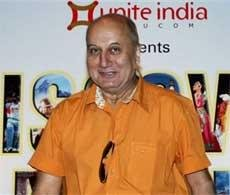 Film industry backs Bachchan: Anupam Kher