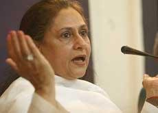 Ask questions about me, not Amitabh, says Jaya