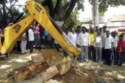 Rs 3.50-lakh renovation work on Bhuvaneshwari circle launched