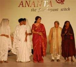 Sharmila walks the ramp with 92-year-old SEWA artisan