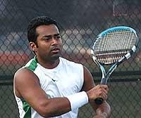 Paes, Bhupathi advance in Miami Master doubles