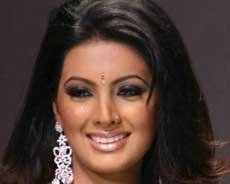 Obsessed fan stalks Geeta Basra, threatens suicide