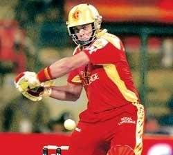 Deccan Chargers rain on Challengers' parade