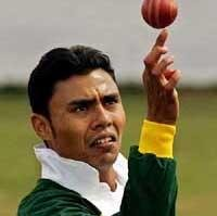 Kaneria in match-fixing scandal, Essex police to question leggie