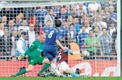 Chelsea sweep past Villa
