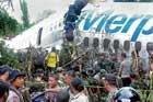 Plane breaks on landing