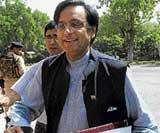 Tharoor fate in balance as Cong awaits facts to emerge