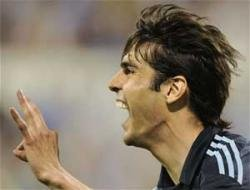 Kaka returns with interest as Real stay on Barca's shoulders
