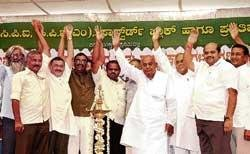 Gowda blames CM for price rise