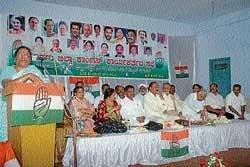 'CM misleading public'
