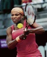Serena struggles into quarters
