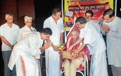 Keremane Shambhu Hegade award conferred on Kunjalu