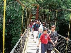 Tourists throng Kaveri Nisargadhama