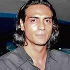 Arjun Rampal wants to quit smoking