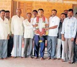 GP members join Srinivas Gowda faction