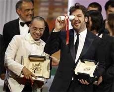 Thai film 'Uncle Boonmee' wins top prize in Cannes