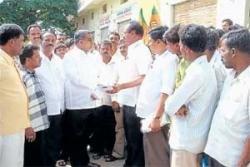 BJP workers accuse tahsildar of indulging in irregularities