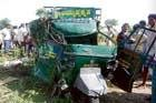 7 killed, 7 injured in road accident at Pandavapura