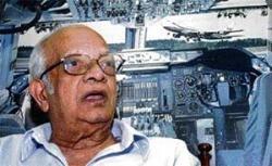A 'crash survivor', VIP pilot