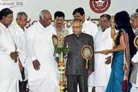 Pranab hints  at cheaper  farm credit