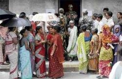 Clashes, firing mar Bengal civic election